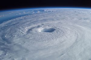 300px-Hurricane_Isabel_from_ISS